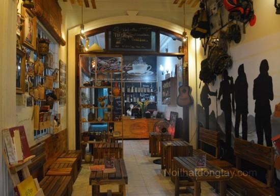 Mẫu thiết kế quán cafe bằng gỗ pallet
